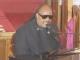 视频:惠特尼休斯顿葬礼知名盲人歌手史蒂芬-汪德献唱