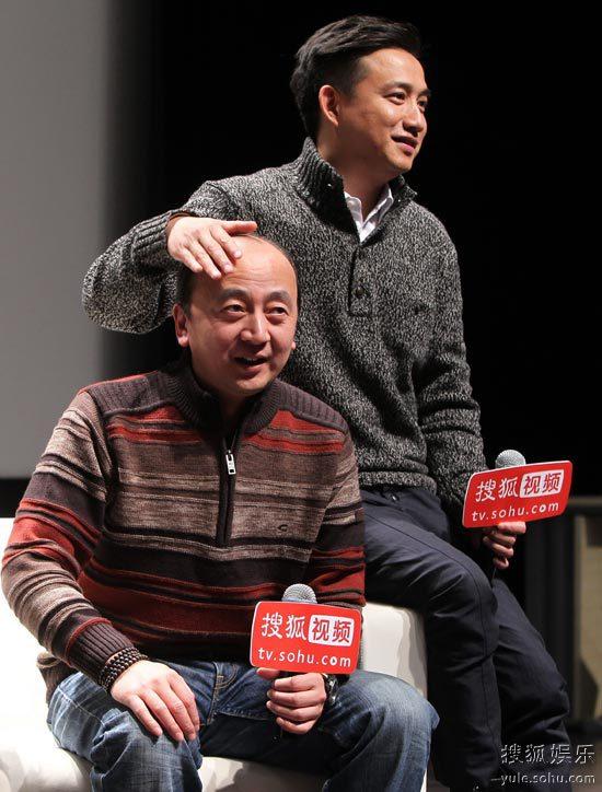 黄磊微电影《老男人历险记》首映 抚王劲松光头