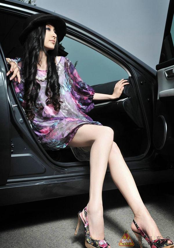 紫霞仙子   美丽的梦幻女郎车内秀诱人身材