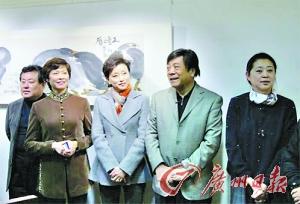 倪萍/倪萍的画展发布会成了主持人大聚会。
