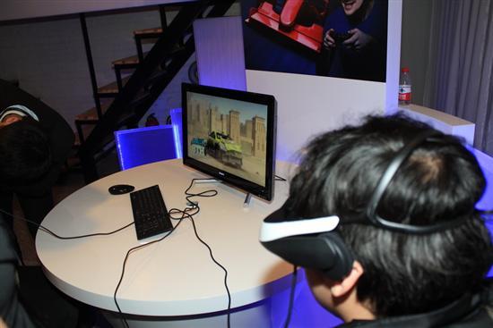 游戏应用体验,这里接驳的是来自PC的3D游戏信号。