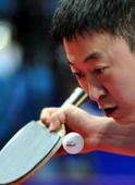 图文:乒乓球亚洲锦标赛首轮 马琳发球瞬间