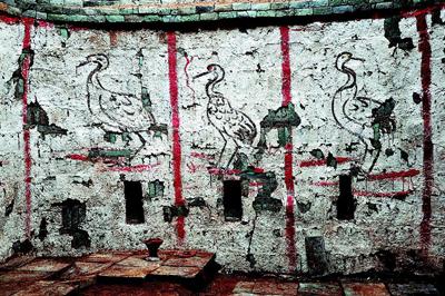 """特别是朱红顶,黑喙和黑腿,正是我国古代描绘为仙鹤的""""丹顶鹤"""",在中国"""