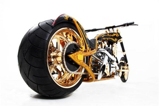 为特朗普量身定制的黄金摩托