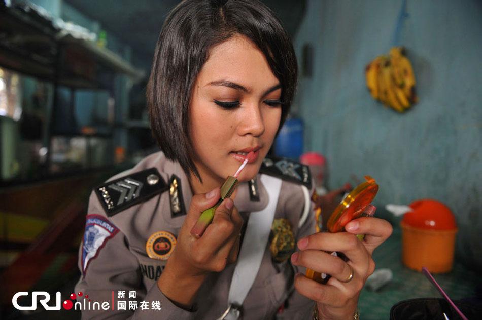 印尼女警花风采. (图片由东方IC提供,版权图片,请勿转载.)-印