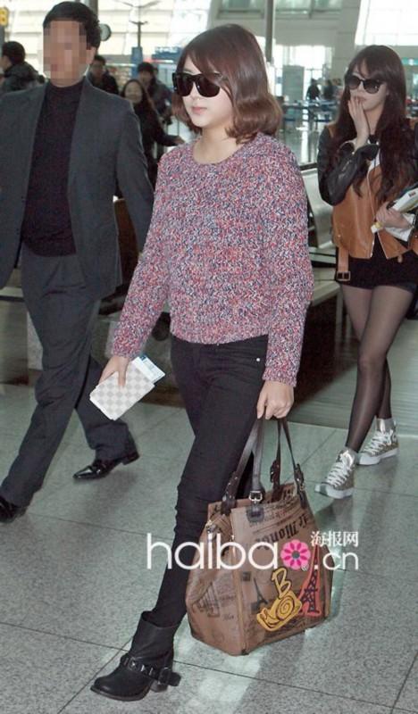kara韩胜妍_女演员们穿搭更带劲 韩国女明星最新街拍合辑(组图)-搜狐滚动