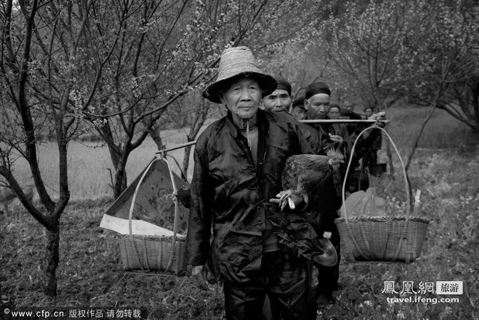 """文化 彝族/二月二""""龙抬头""""的日子寓意着大地的复苏,新的一年生产劳作的..."""