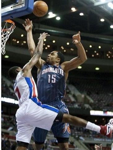 赖特 亨德森/图文:[NBA]活塞胜山猫赖特对决亨德森