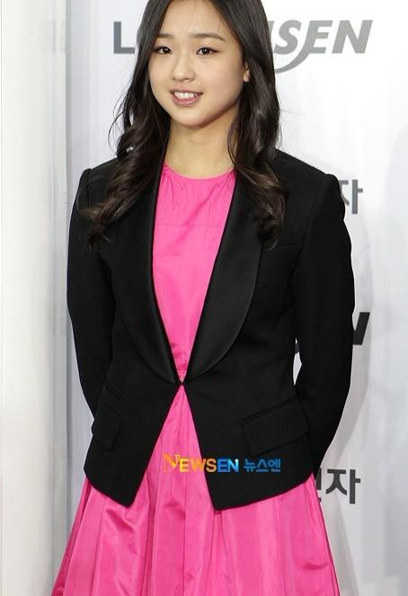 韩国艺术体操美女出席某品牌活动
