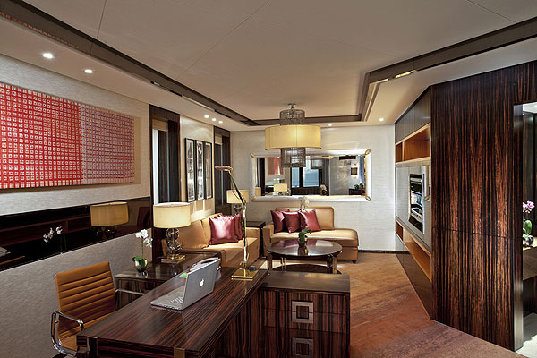 豪华套房起居室