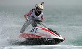 图文:水上摩托世锦赛卡塔尔站 芭尔泽在比赛中