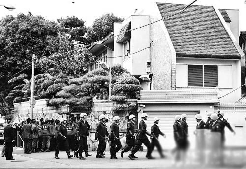 日本百年黑帮山口组揭秘:总部百米外即是警察