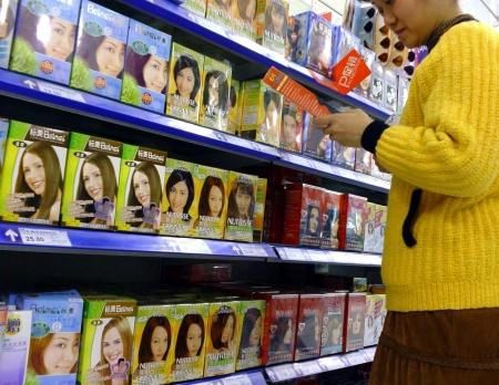 选购染发剂时,消费者应擦亮双眼