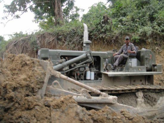 印军修整我藏南地区道路。