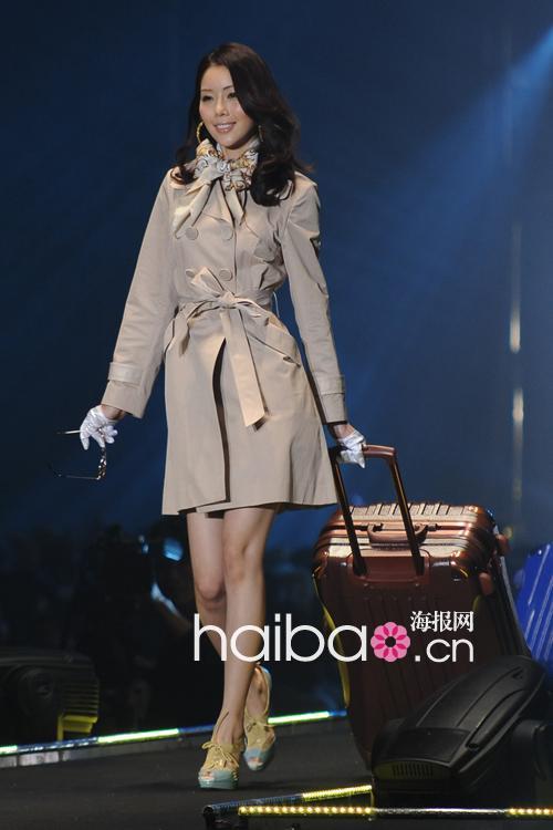 2012春夏东京女孩展演 (tokyo girls collection) 精彩开秀!上(组图)