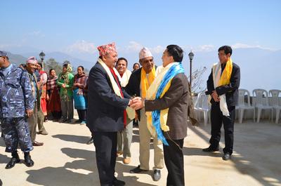 杨厚兰/杨大使表示,中尼是山水相连的友好邻邦,边境地区的友好交往在...