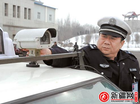 交警支队车所_3月6日,在市公安局交警支队车辆管理所乌拉泊考试场,主监考官郝寿军在