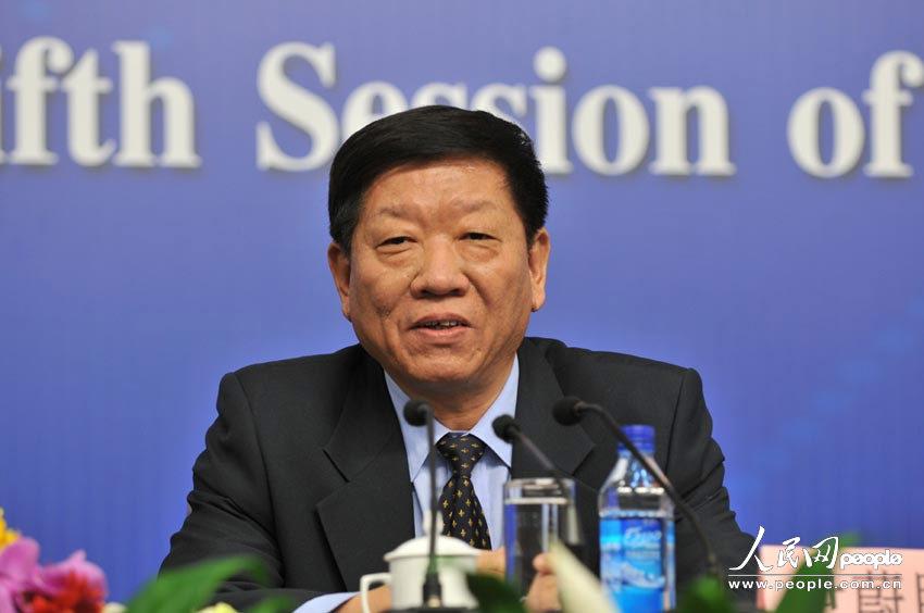 人力资源和社会保障部部长答记者问:人力资源和社会保障部部长尹蔚民