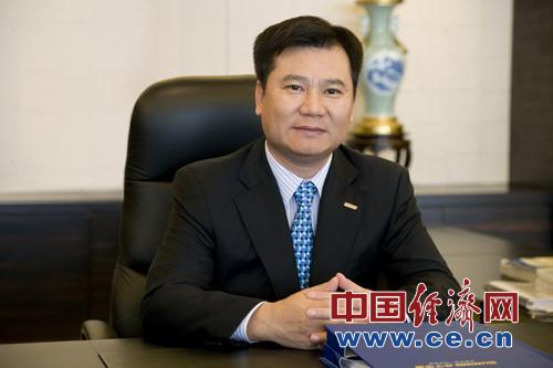 全国政协委员,苏宁电器董事长张近东