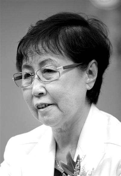 乌云其木格,全国人大常委会副委员长,2001年至2003年任内蒙古自治区主席。