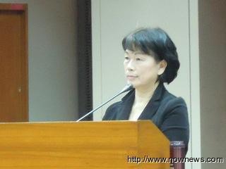 """龙应台首次在台湾立法机构接受质询。台湾""""今日新闻网"""""""