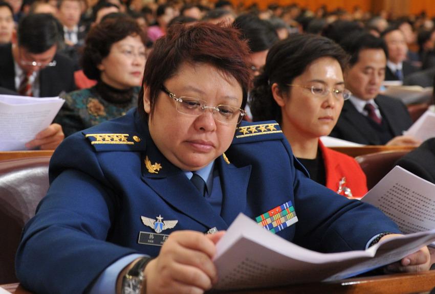 高清组图:女性代表委员展风采 搜狐滚动