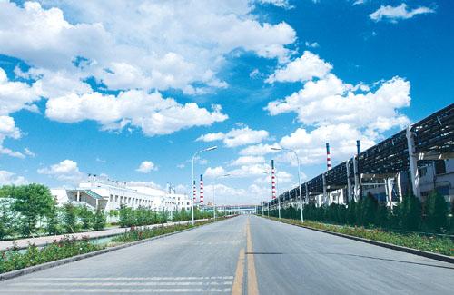 干净整洁的金川集团现代化厂区。