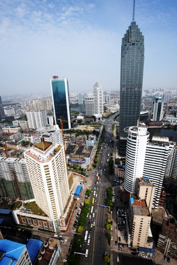 武汉金融一条街图片