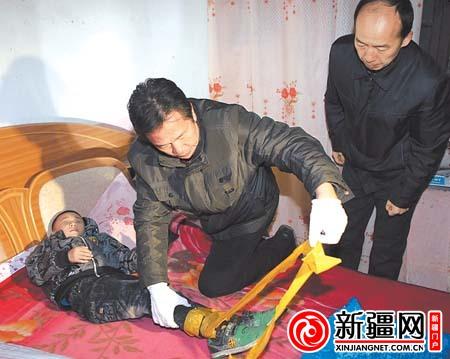 儿童 伊犁/查县警方在解救被绑架儿童。