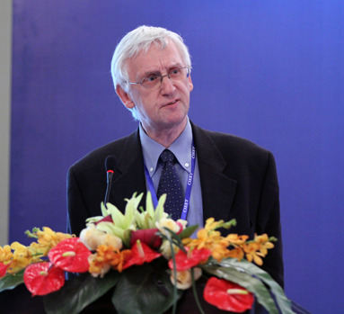 比利时布鲁塞尔自由大学副校长何瑞鹏主题演讲
