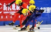 图文:龚秋文男子1000米决赛犯规 赛中发生碰撞