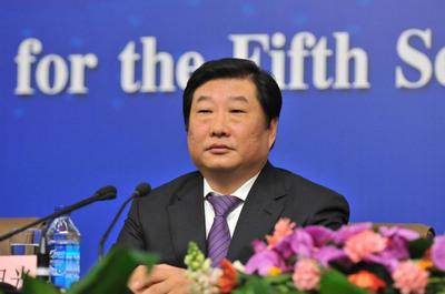 企业负责人代表谈促进实体经济发展 全国人大代表谭旭光
