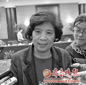 王秀红接受采访。本报记者王僖摄