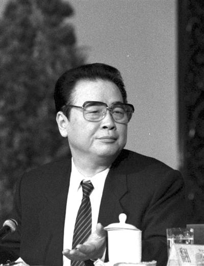 1991年,李鹏总理举行记者会。