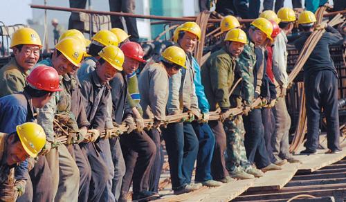 快乐农民工 城市建设者(组图)