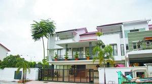 朱丽倩马来西亚的娘家住宅环境清幽。