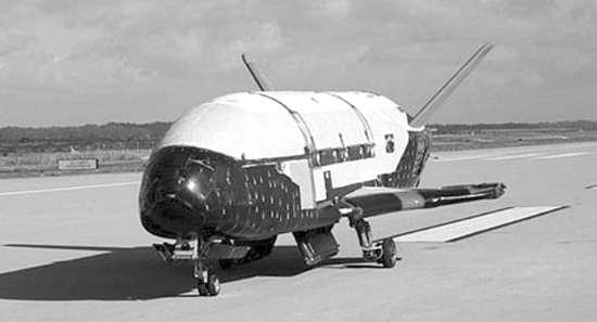 被愹b�x�_美x-37b空天飞机被指监视天宫一号(图)