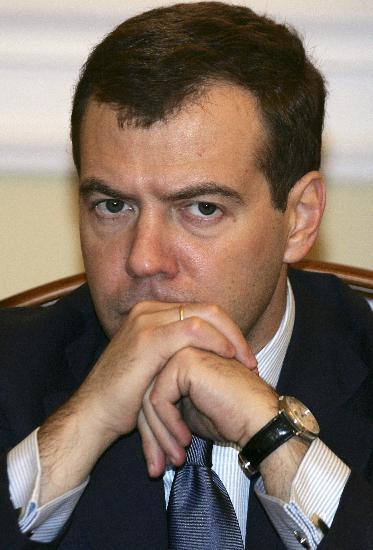 俄罗斯政府官员购入汽车和房产将被要求申报(图)