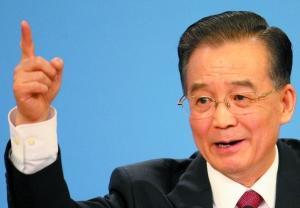 2009年,国务院总理温家宝在记者招待会上回答提问。