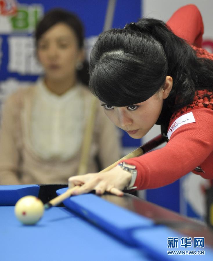 潘晓婷/3月15日,中国选手潘晓婷在2012世界女子花式台球公开赛中。