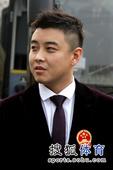 图文:国乒出征多特蒙德世乒赛 王皓的新发型