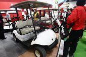 图文:2012年高博会现场 高尔夫球车展示