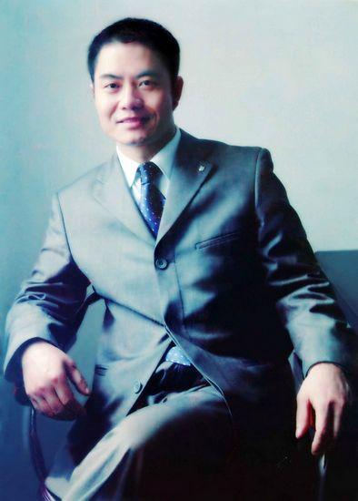 唐庆南,江西精彩生活投资发展有限公司董事长