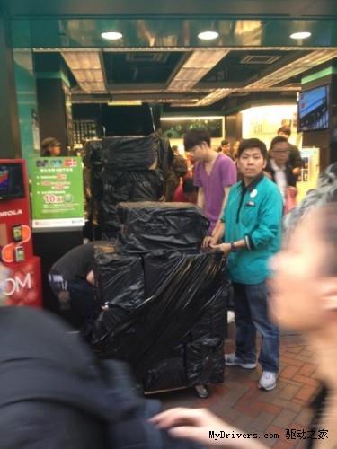 黄牛走捷径:狂吞香港经销商手中新iPad