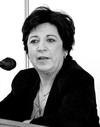 不宽容的政治环境和仇恨会鼓动右翼群体排外情绪。 前环境部长柯琳・勒帕吉