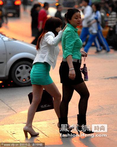 贵阳女人提前过夏天 超短裙成街头特殊风景(组图 ...