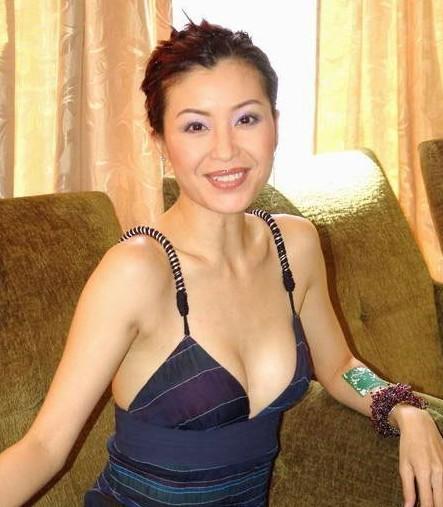 朱丽倩 伍咏薇 钟楚红/前夫去世,成娱乐圈最年轻寡妇