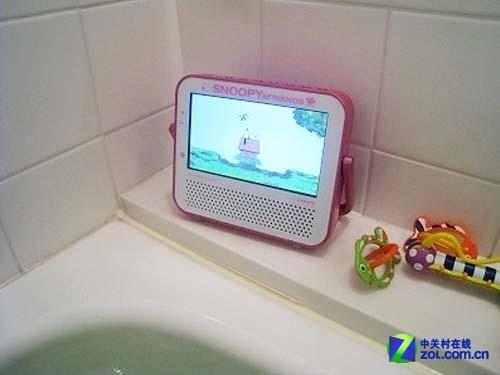 躺在浴缸里看电影 Snoopy防水DVD发布