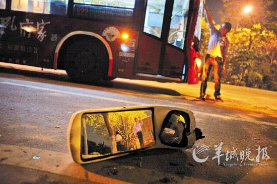 大观南路车祸现场羊城晚报记者 蔡弘