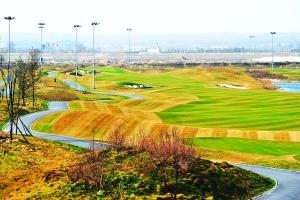 3月23日拍摄的渭河西安公园运动别墅林克斯高尔夫球场.后城市80的装修风格的另类图片